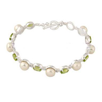 Sterling silver fresh pearl and crystal bracelet by Kaiomhi